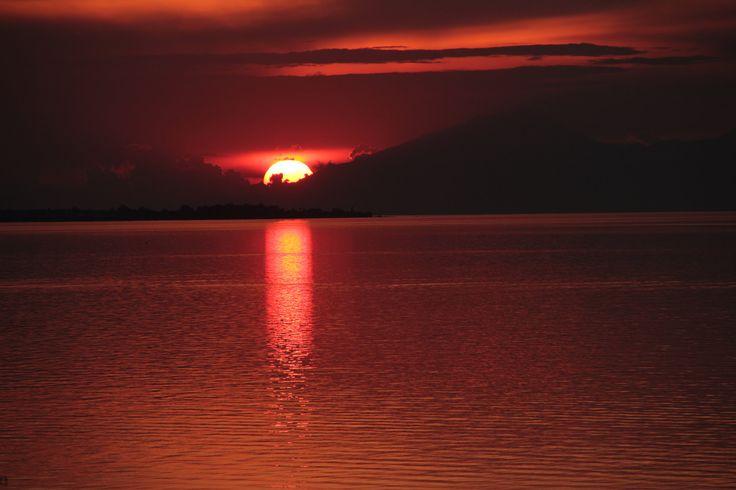 Hλιοβασίλεμα στο Δερβένι