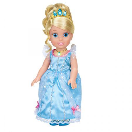 Куколка-принцесса Золушка станет прекрасным подарком Вашей дочурке. С ней девочка будет играть целыми днями, петь песни и заплетать ей косички.  Золушка - это героиня одноименной сказки. Она трудолюбивая, отзывчивая и очень добрая. Куколка олицетворяет собой эту замечательную принцессу. У Золушки большие голубые глаза с густыми ресницами, что делает взгляд куколки выразительным и реалистичным.