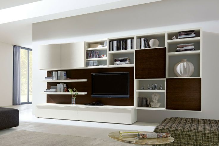 Parete attrezzata in rovere 550 con contenitori e libreria, ideale per l'arredamento di un soggiorno moderno | Napol.it