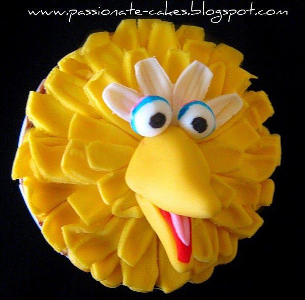 PassioNate Cakes : Big Bird and Elmo cupcakes...