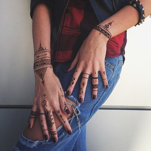 African geometry henna style veronicalilu