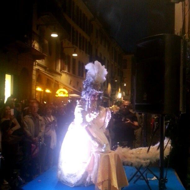 Burlesque in brera Vfno Robertaebasta @studioterenzi - http://www.fashionancien.com/2013/09/17/burlesque-in-brera-vfno-robertaebasta-studioterenzi/