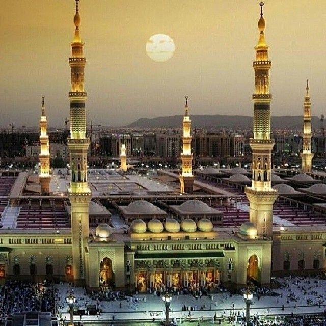 islamicthinking: Masjid-Nabwi, Madinah. Sundown. Stunning.