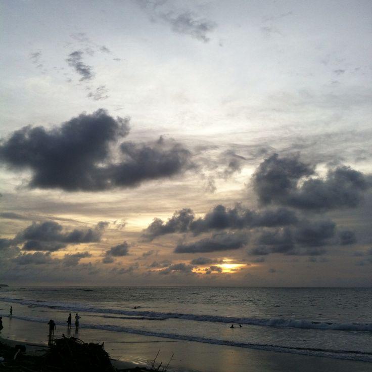 #Waiting #Beautiful #Sunset @Kuta #beach #Bali 29/12/14