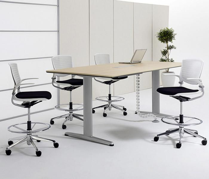 Liftio | UCI height-adjust desk and table, by Okamura in Japan. Available with a rectangular or oval tabletop in a variety of sizes and finishes. uci.com.au