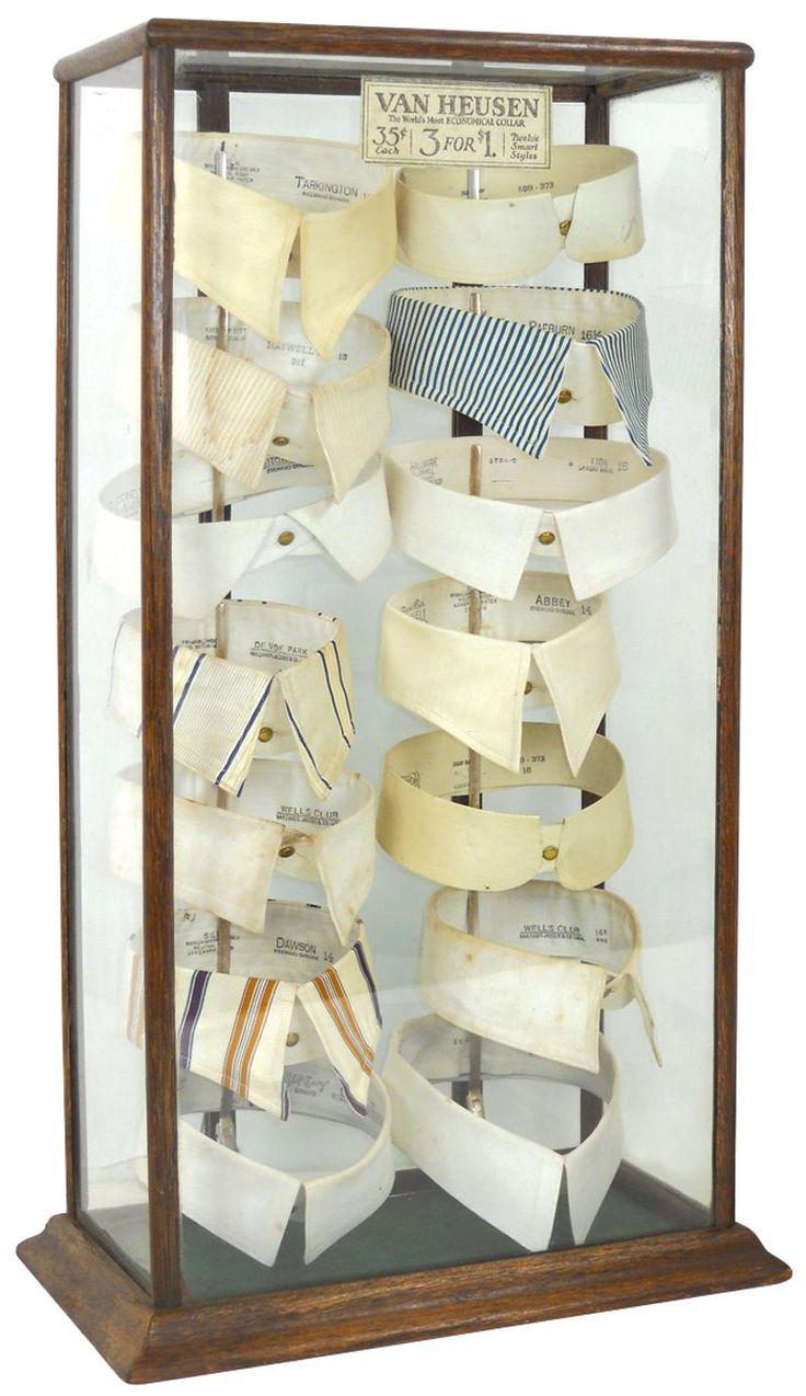 Collar display case, oak w/Van Heusen paper label, holds 14 early collars…