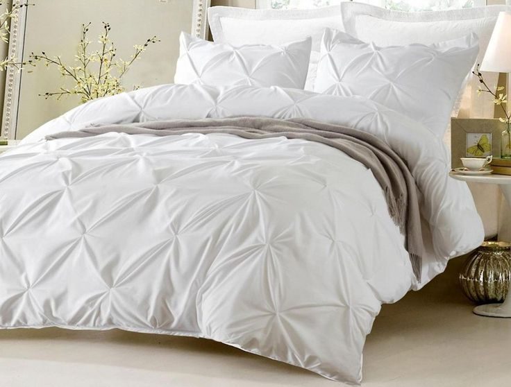 PINCH PLEAT DESIGN WHITE DUVET COVER SET STYLE # 1006 - CHERRY HILL COLLECTION We Know your gonna love this duvet cover set. The set is complete with duvet cover and pillow shams. Simply put the duvet
