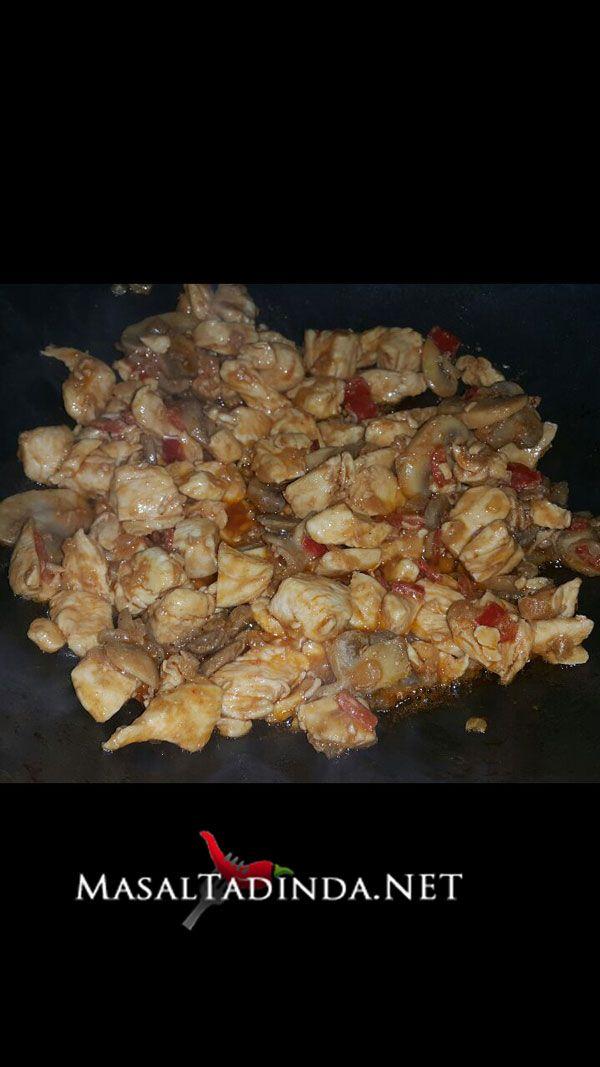 barbekü soslu mantarlı tavuk sote