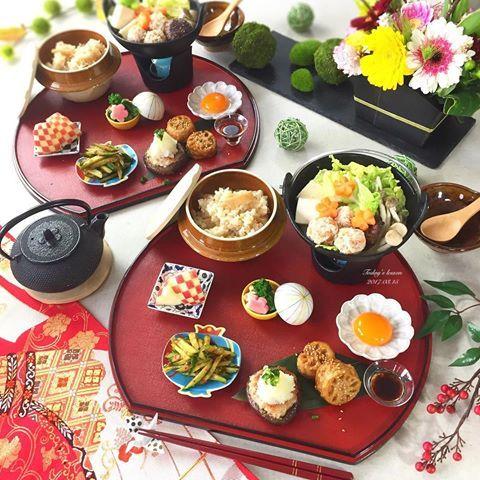 . 今日もレッスンでした☺️ . お子さんが牛乳と卵のアレルギーで 旦那さんが揚げ物を食べたらダメらしく 献立が大変そうな3児のママさん❗️ . 少しでもお役に立てればと 牛乳、卵、揚げ物 抜きの献立を 考えました☺️ . ❁れんこんのはさみ焼き 月見付き (月見はお子さんには抜きで) ❁肉厚しいたけの肉詰め おろしポン酢 ❁菜の花と油揚げのおひたし ❁韓国風おつまみきゅうり ❁鶏団子の豆乳鍋 ❁筍ごはん ❁りんごの飾り切り . 鶏団子のたねを作って はさみ焼き、しいたけ、鍋の3つの料理に . そろそろ時期的に、 お鍋も最後ですかねぇ☺️ . #和食 #ruhru春のおうちごはんコンテスト #おうちごはん #おうちごはんはじめ #クッキングラム #デリスタグラマー #おうちカフェ #料理 #料理写真 #手料理 #料理教室 #北九州料理教室 #テーブルコーディネート #delicious #LIN_stagrammer #instafood #yummy #kitakyushu #fukuoka #cookingram #cooking #foodphoto #food...