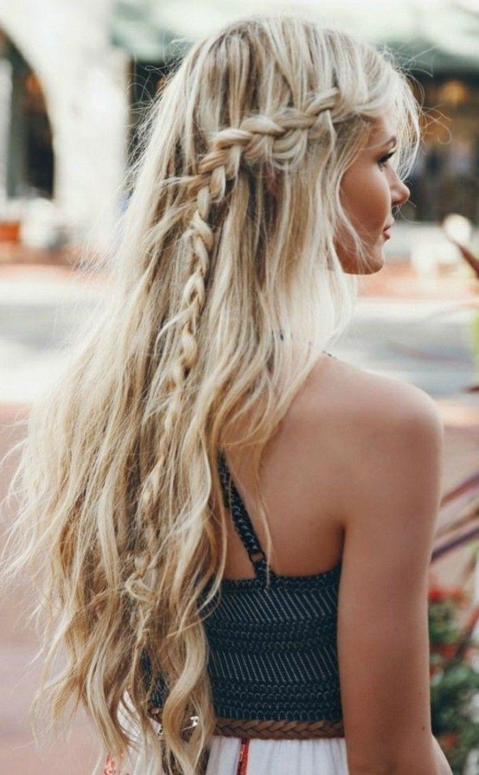 coiffure romantique tresse cheveux detaches blonds robe dete couleurs claires