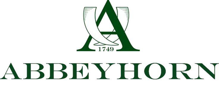 Des peignes en corne naturelle pour des cheveux en bonne santé! Véritables objets de luxe, les peignes en corne Abbeyhorn sont fabriqués à la main dans le nord ouest de l'Angleterre. Reconnue pour son savoir faire et la qualité des objets aux finitions soignées, la manufacture Abbeyhorn perpétue depuis plus de 250 ans la tradition du travail minutieux de la corne. Chaque pièce est unique. #peigne #british #handmade #abbeyhorn #luxe #cheveux #soin #beauté #naturel