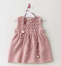 Modèle robe rose bébé