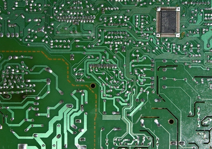 I made some computer motherboard texture , it's good for any sci-fi cyborg foto manipulation, of course I leave you to decide what you want with that. Show your talent, and share with me what you can do with these .