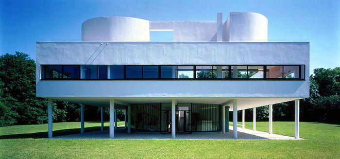 Les maisons d'architectes a visiter : La Villa Savoye de Le Corbusier © Jean-Christophe Ballot / Centre des monuments nationaux