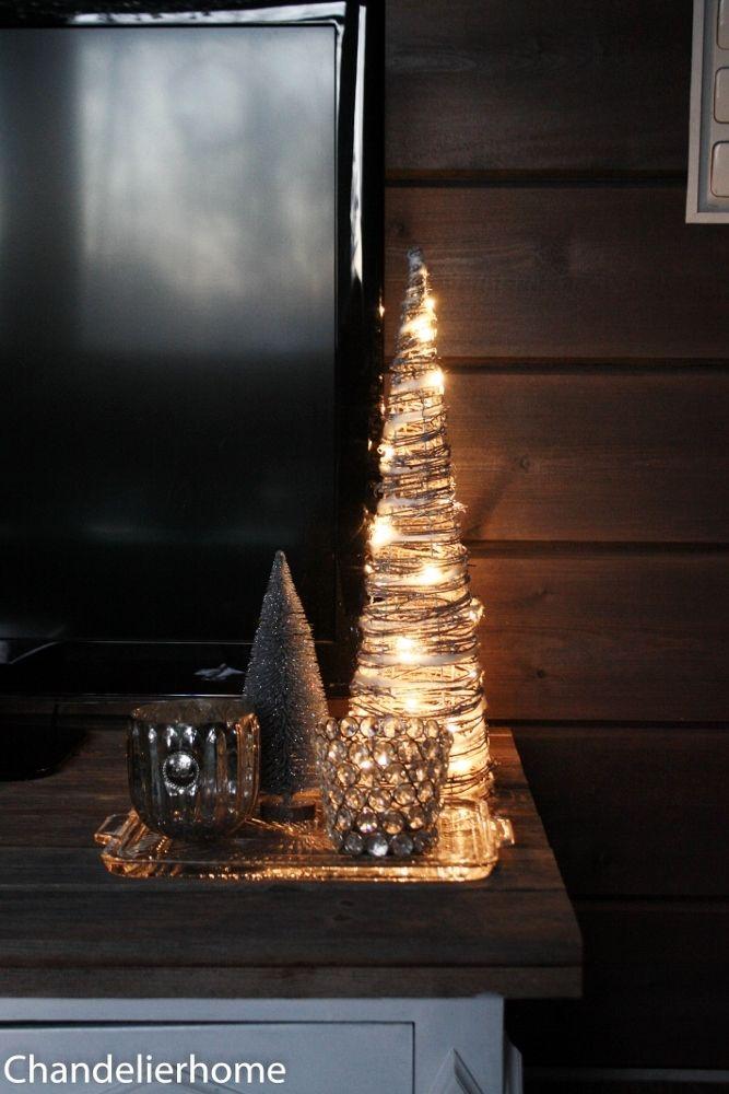 ChandelierHome: Rustiikkinen kuusi & kynttilänjalat lattialle
