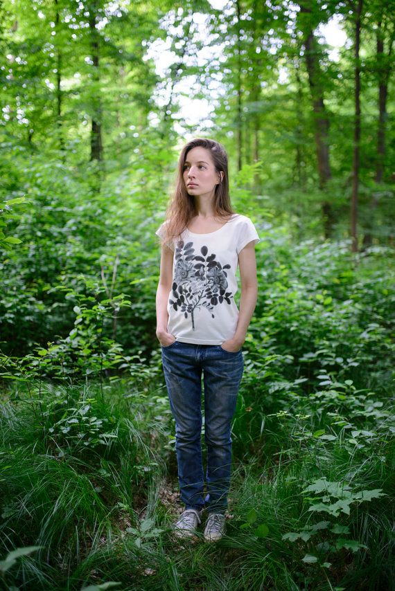 """white t-shirt with graphic """"flowers"""" made from organic cotton and 5% elastane. Yoga wear, eco fashion, woman t-shirt, natural style"""