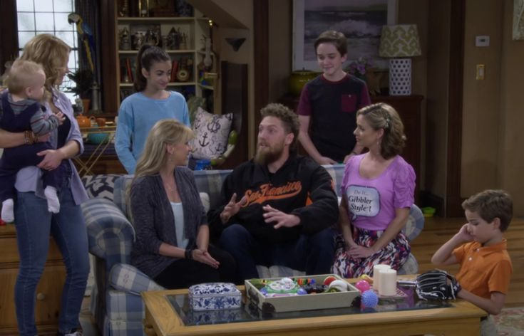 Stephanie Tanner is Hunter Pence's girlfriend in 'Fuller House,' (article link)