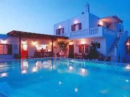 Compare hotel prices and find the cheapest price for the #DomnaPetinarosApartments in Mykonos-Town .