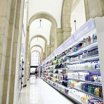 New Duane Reade #retail #convenience on Wall Street. The Future of Drugstores: Operators Broaden Offerings to Capture Market Share