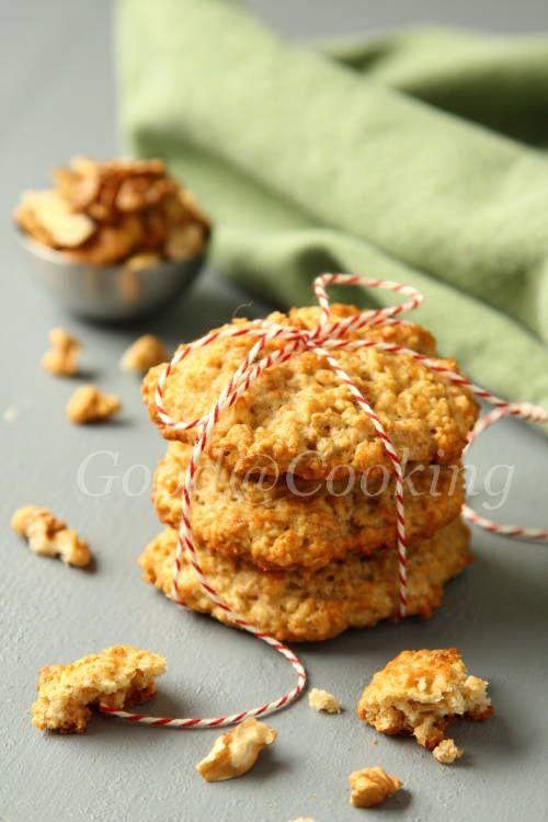 Овсяное печенье с бананами и орехами