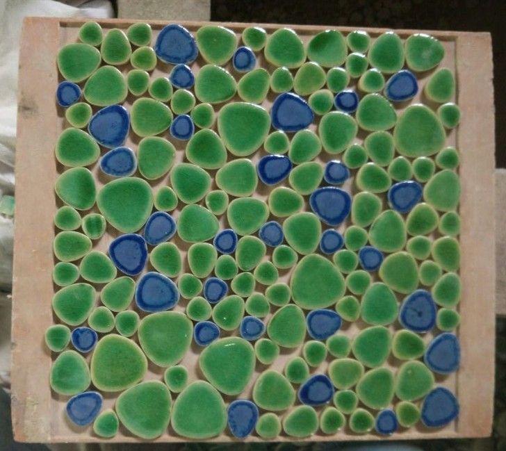 Blauwe gemengde groene kleur keramische pebble mozaïektegels voor muur en vloer keuken backsplash hal zwembad vloer eetkamer in Blauwe gemengde groene kleur keramische pebble mozaïektegels voor muur en vloer keuken backsplash hal zwembad vloer eetkamer van muurstickers op AliExpress.com | Alibaba Groep