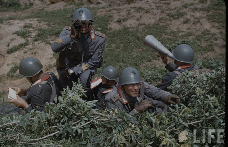 Soldiers of an Italian infantry division (1940)