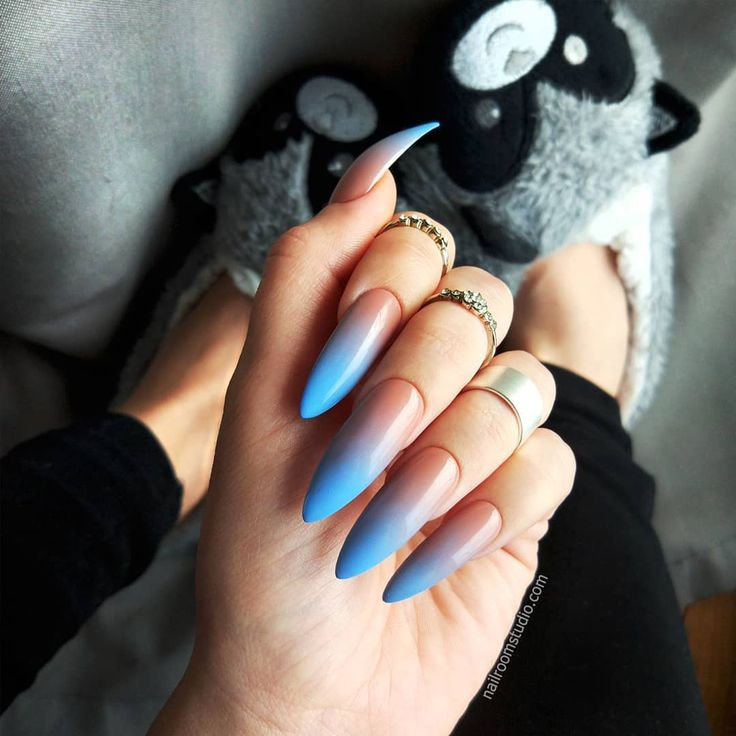 nailroomstudio.com This fresh pastel #ombrenails will be new trend this spring 2018. 💎🍑 Summer nails, blue and nude paechy ombre. Custom false nails for perfect fit order on: nailroomstudio.com