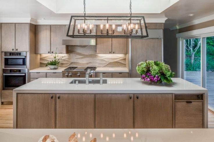 design-conception-cuisine-crédence-3d-îlot-bois-armoires-lustre-métal
