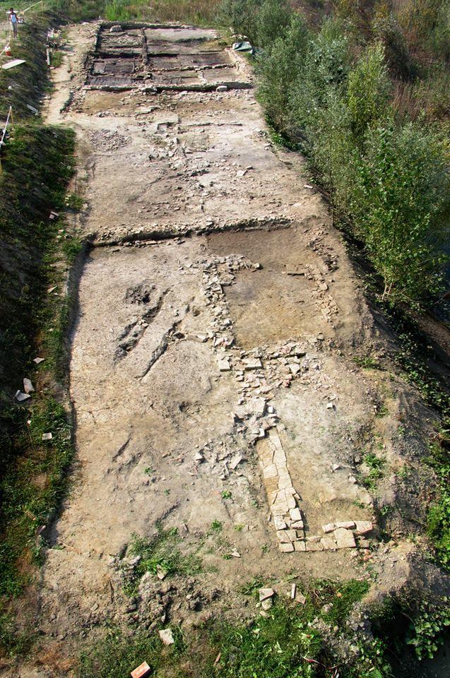 Veduta generale dell'area di scavo dell'edificio rustico di San Prospero di epoca romana