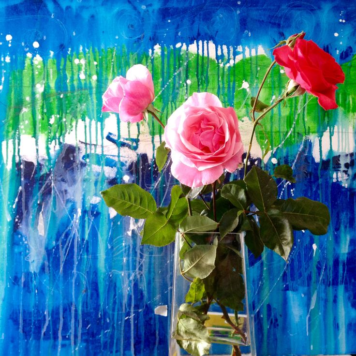 While I paint a reinterpretation of my work about Stonehenge with beautiful roses. #art #painting #flowers