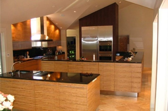 Zebra Wood Veneer in a Contemporary Kitchen