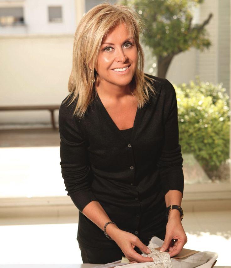 Rosa Clará, la diseñadora catalana de novias que vistió a Antonella Rocuzzo para el casamiento.