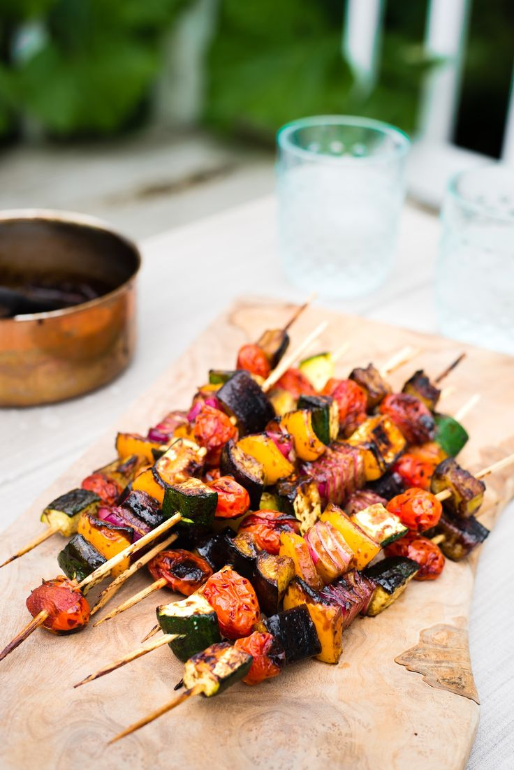Recipe: Balsamic Glazed Veggie Kebabs — Quick and Easy Weeknight Sides #recipes #food #kitchen