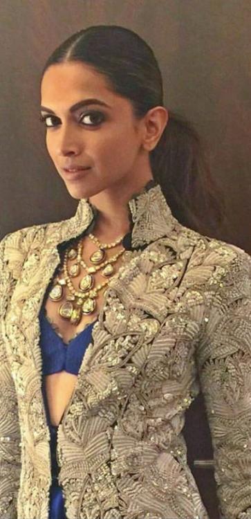 Deepika Padukone Looks Lovely at The Umang Police Show | PINKVILLA