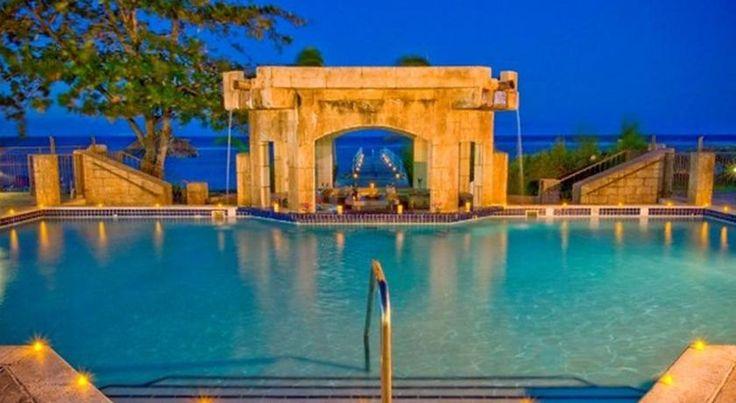 泊ってみたいホテル・HOTEL|ジャマイカ>モンテゴ・ベイ>客室はトロピカル風の内装>ホリデイ イン サンスプリー リゾート モンテゴ ベイ オール インクルーシブ(Holiday Inn SunSpree Resort)