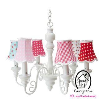 Op zoek naar een Kroonluchter incl. kapjes? Bij Saartje Prum vind je de leukste Hanglampen voor de kinderkamer.