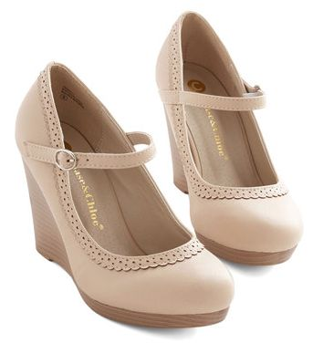adorable Mary Jane style wedges  http://rstyle.me/n/i29crpdpe