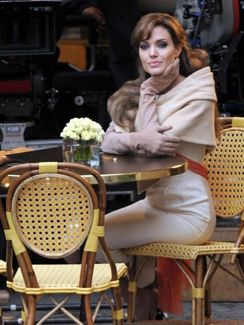 I want to be like her; drinking tea by the roadside in Paris and swept off my feet by Johnny Depp.