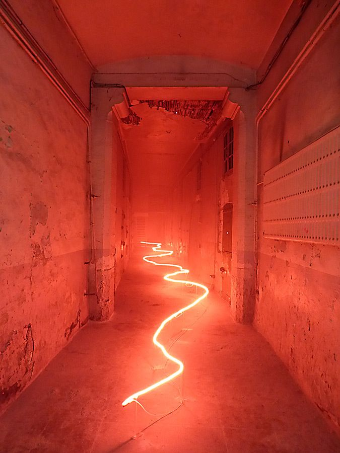 Claude Lévêque, France – neon light art installation