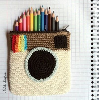 A huge array of the best funny and weird stationery cases you will ever encounter. If you're looking for a great new stationery case, this is for you - [http://theendearingdesigner.com/10-unique-creative-pencil-cases-designs-will-blow-mind/]