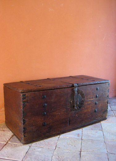 Mexican Colonial Trunk with Clavos,   41.5x18x18.5H. Dovetail Construction.   Original Key to Lock Plate.