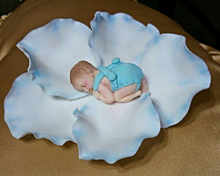 Dulce bebe realizado en azucar