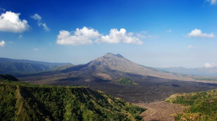 På Bali bor guderne på vulkanerne