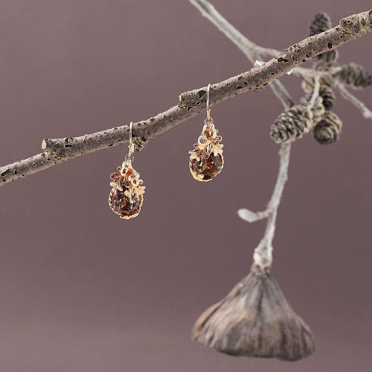 🍁🍂🌰Acorn Crystal Earrings 🌰🍂🍁 We love Rose Gold for Autumn and these @swarovski Acorn earrings will do just nicely! ✨ . . . #BillSkinner #swarovski #swarovskicrystals #rosegold #rosegoldjewellery #rosegoldjewelry #acorn #acornjewelry #acornjewellery