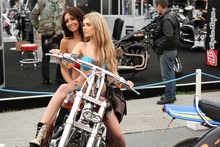 Biker Girls of The Week: Babes from Beaulieu UK