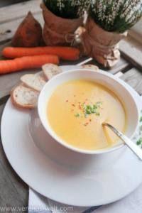 Diese thailändische Süßkartoffel-Karottensuppe ist schnell und unkompliziert zubereitet und ein richtiges Soul Food bei kalten Regentagen. Warm und würzig!