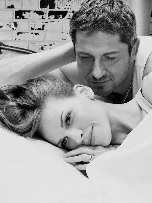 P.S. I Love You, Gerard Butler & Hilary Swank, black & white