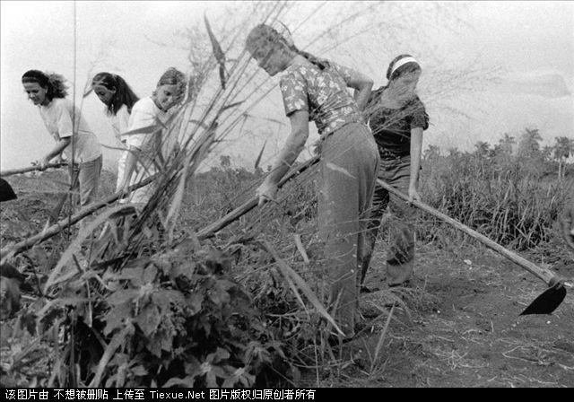 Cuba through Italian photographer Ernesto Bazan's lens.