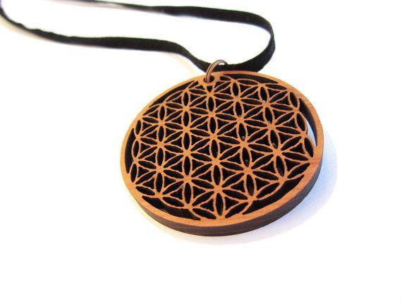 FLOWER OF LIFE  pendant engraved on cedar wood � 5 cm