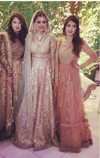 I love clothes which sparkle and this Lengha doesn't disappoint!